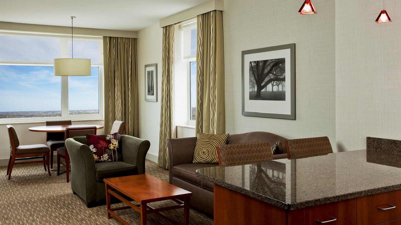Lombard Hotel Rooms - Executive Suite
