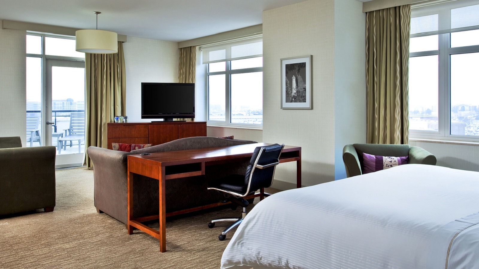 Lombard Hotel Rooms - Junior Suites