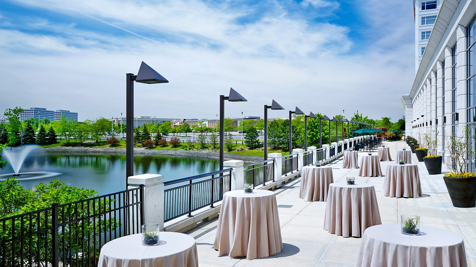 Junior Ballroom Terrace | The Westin Lombard Yorktown Center